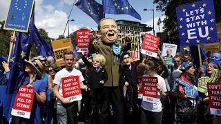 """Лондон: протесты против """"брексита"""" и Джонсона"""