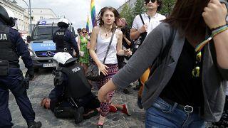 Primeira marcha LGBTI em Bialystok atacada por ultranacionalistas polacos