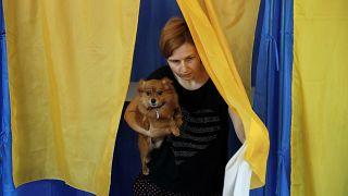 ¿Quién ganará en las elecciones parlamentarias de Ucrania?
