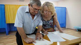 Ukraine : les grands enjeux des législatives anticipées de ce dimanche
