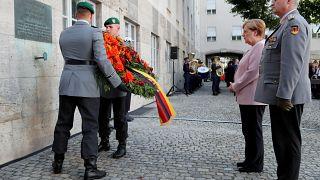Almanya, Hitler'e suikast girişiminde bulunanları 75. yıl dönümünde andı