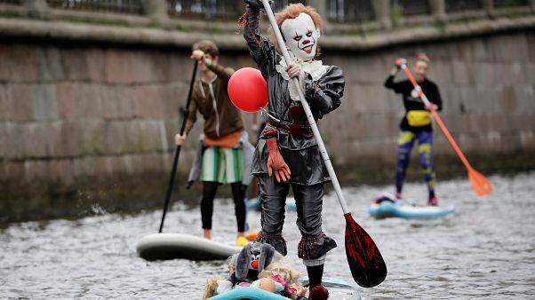Провести карнавал на SUP-борде и не упасть в воду