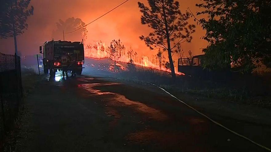 Portugal kämpft gegen die Flammen