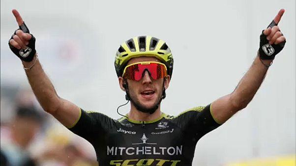 Simon Yates brilha na 15ª etapa, Alaphilippe resiste e segura amarela