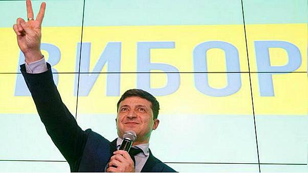 استطلاعات الرأي عقب التصويت تمنح حزب زيلينسكي حوالي 44 في المائة من المقاعد