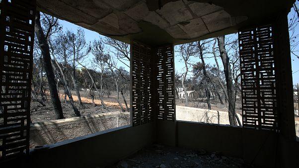 Los griegos exigen responsabilidades tras los mortales incendios de 2018