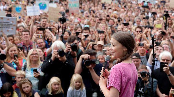 """""""Rövidnadrágos prófétának"""" és """"apokaliptikus gurunak"""" titulálták francia képviselők Greta Thunberget"""