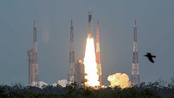 Mission gestartet: Indien schickt Raumsonde zum Mond