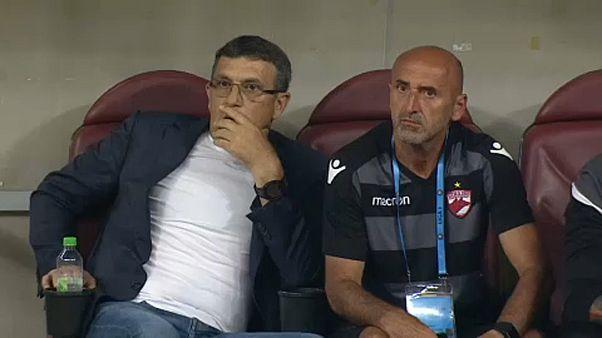 Meccs közben kapott szívrohamot a Dinamo Bukarest edzője