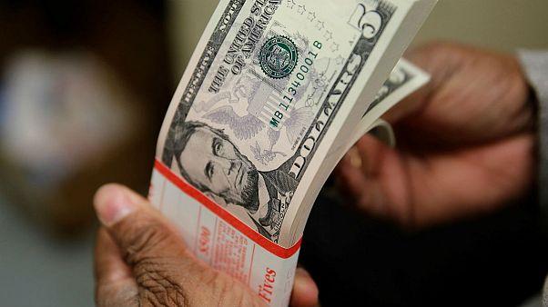 چهارمین صعود متوالی دلار؛ متوسط نرخ تیرماه به ۱۲۸۱۰ تومان رسید
