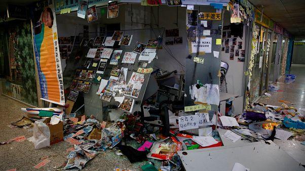 Das verwüstete Büro des Abgeordneten Junius Ho.