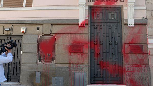 Σύλληψη μέλους του «Ρουβίκωνα» για την επίθεση στον ΣΕΒ