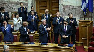Yunan hükümeti güven oyu aldı