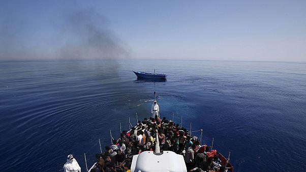 14 AB ülkesi Akdeniz'de kurtarılan göçmenleri paylaşacak