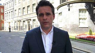 Vincent McAviney, a Euronews à porta do n.° 10 de Downing Street, em Londres