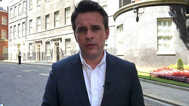 Vincent McAviney, a Euronews à porta do n.° 10 de Downing Street, em Londres