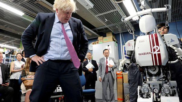 مخالفان برکسیت: آقای جانسون عروسک خیمه شب بازی فاراژ نشوید