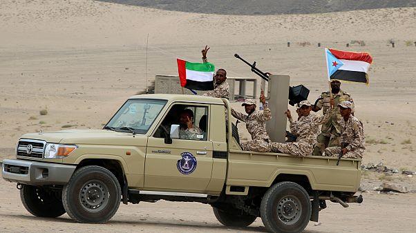 قوات تم تجنيدها من المجلس الانتقالي الجنوبي المدعوم من الإمارات  على متن مركبة في عدن/اليمن