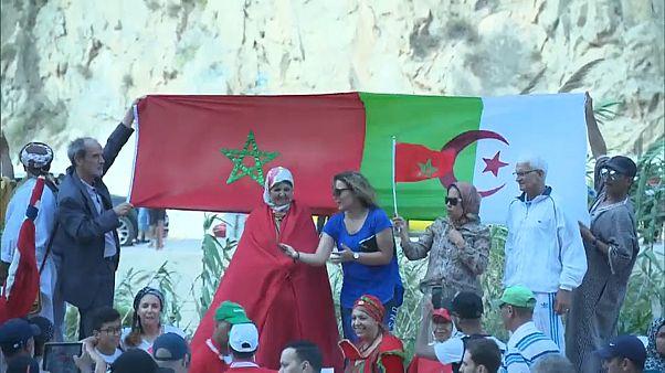 محتجون يطالبون بإعادة فتح الحدود الجزائرية المغربية