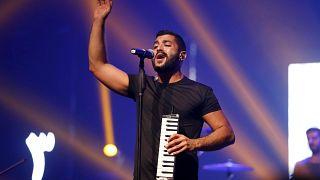 """حامد سنو المغني الرئيسي لفرقة """"مشروع ليلى"""" اللبنانية في بيروت (أرشيف)"""
