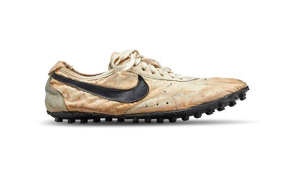 Nike'ın 1972'de ürettiği ayakkabı açık artırmada 437 bin dolarla rekor kırdı