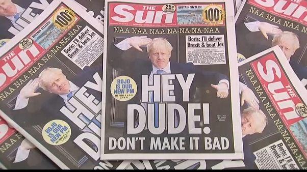 Boris Johnson: i giornali britannici lo salutano con ironia