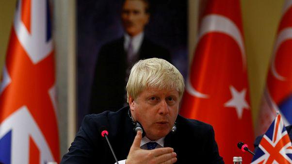 """Repesnek a törökök, hogy az """"ottománok unokája"""" lett az új brit miniszterelnök"""