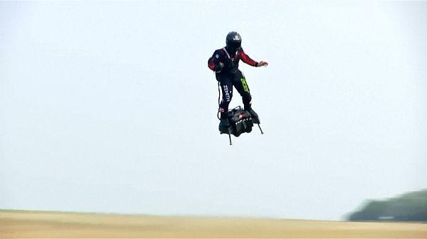 Γαλλία: Ο «ιπτάμενος στρατιώτης» εν δράση