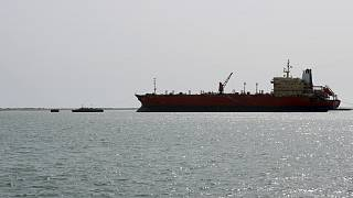 """Petrolero abandonado cerca de la costa de Yemen amenaza con una """"explosión catastrófica"""""""