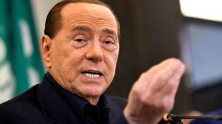 Berlusconi hakkındaki yolsuzluk davası düştü