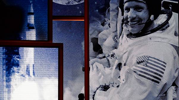Neil Armstrong egy halála utáni visszaemlékezésen