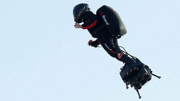 سقوط «سرباز پرنده» در کانال مانش