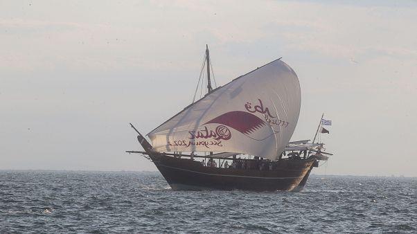 Υποδοχή παραδοσιακού ξύλινου σκάφους του Μουσείου του Κατάρ στη Θεσσαλονίκη