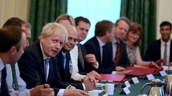 Royaume-Uni : Boris Johson droit dans ses bottes