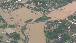 Βραζιλία: Πάνω από 12 νεκροί από τις κατακλυσμιαίες βροχές