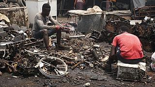 Los residuos electrónicos europeos terminan en uno de los mayores vertederos de África