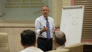 Bakan Akar: ABD heyetine Fırat'ın doğusuna operasyonda gerekirse inisiyatif kullanırız dedik