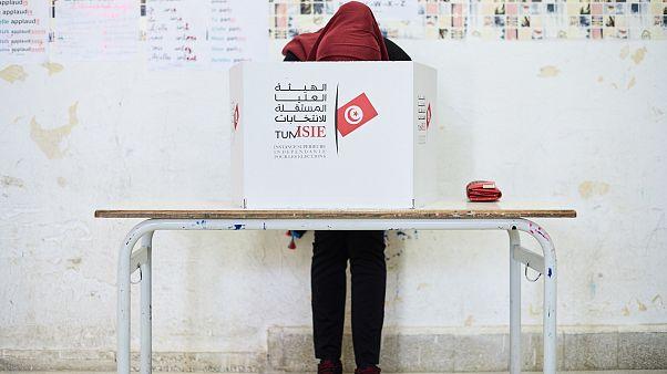 أي مستقبل للسلطة في تونس بعد السبسي؟ عضو لجنة الانتخابات يجيب يورونيوز
