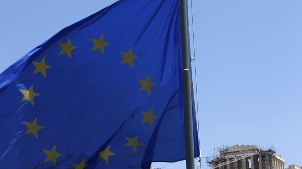 Κομισιόν: Δύο παραπομπές για την Ελλάδα στο Δικαστήριο της ΕΕ