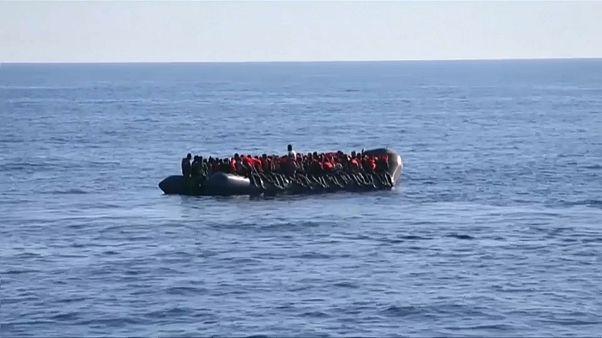 Mehr als 100 Tote befürchtet: Flüchtlingsboot gesunken