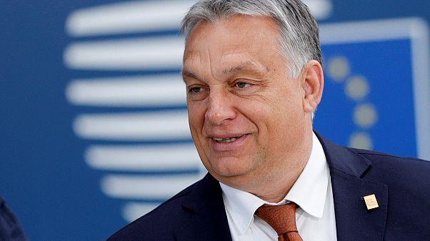 El Primer Ministro húngaro Viktor Orban llega para participar en una cumbre de líderes de la Unión Europea, en Bruselas, Bélgica, el 2 de julio de 2019.