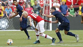 Messer-Gang greift Auto von Mesut Özil an - Kolasinac schlägt zurück