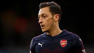 Londra'da Mesut Özil'e bıçaklı saldırıyı Arsenalli takım arkadaşı Sead Kolasinac engelledi