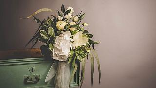 How to be a sustainable wedding guest