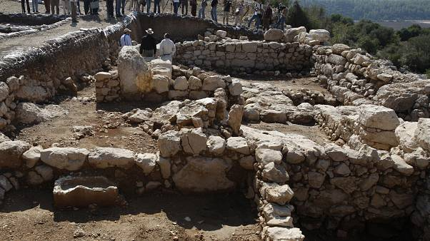 مدينة في فلسطين قبل 3000 سنة يعتقد أن النبي داود قتل فيها جالوت حسب العهد القديم وفقا لاكتشافات علماء آثار إسرائيليين. 2008