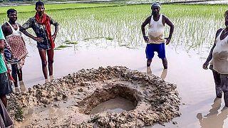 فرود آمدن یک شهابواره در یک شالیزار در هند