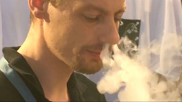 منظمة الصحة العالمية تشيد بالتقدم في مكافحة التبغ لكنها تأمل بإطفاء مزيد من السجائر