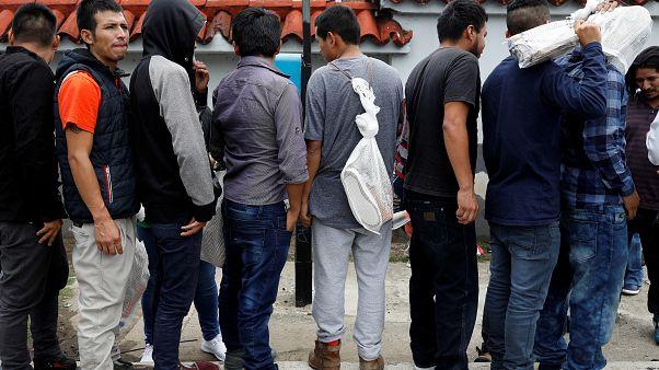 غواتيمالا ترضخ لتهديدات ترامب وتوقع اتفاقية تتعلق بالهجرة عبر حدودها