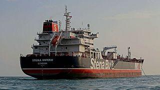 دهلینو از تهران خواست تمام خدمه هندی دو نفتکش توقیف شده را آزاد کند