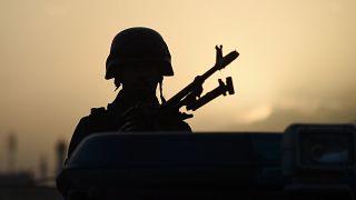 حمله طالبان با خودروی بمبگذاری شده به غزنی؛ ۳ سرباز کشته شدند